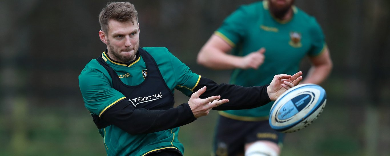 Dan Biggar trains at Franklin's Gardens