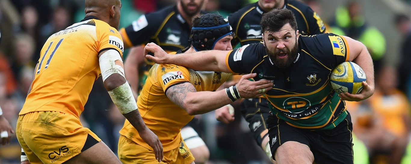 Alex Corbisiero carries for Saints against Wasps