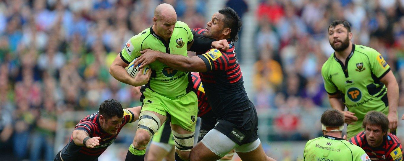 Sam Dickinson holds off Billy Vunipola