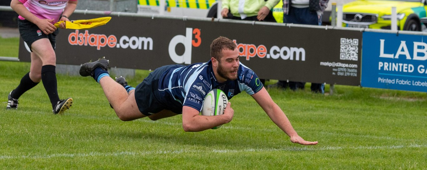 Saints' Jack Hughes scores a try for Bedford