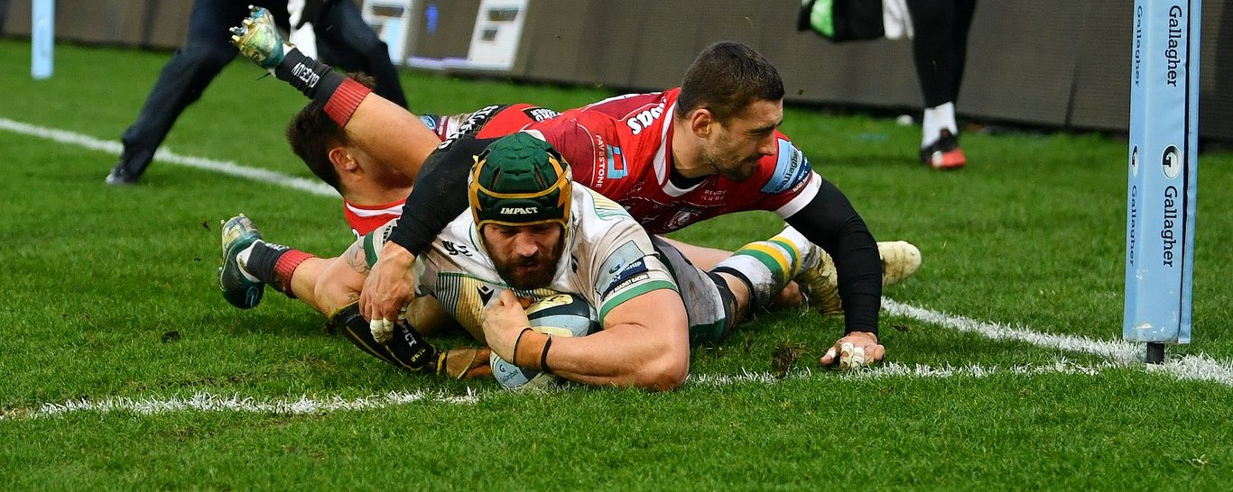 Shaun Adendorff scores Northampton Saints' bonus point try