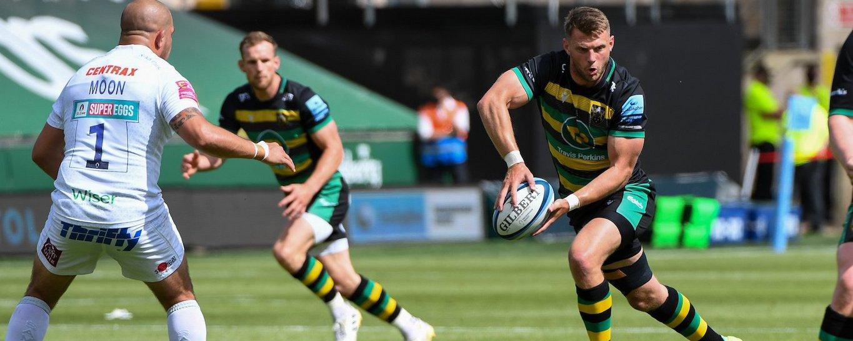 Dan Biggar carries for Northampton Saints against Exeter