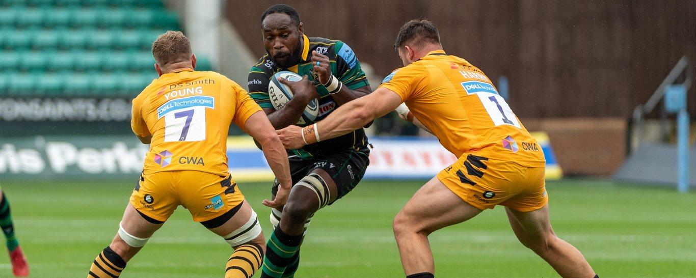 Saints lock Api Ratuniyarawa in action against Wasps