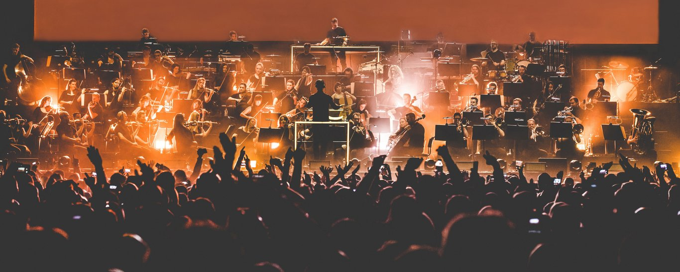 Pete Tong and The Heritage Orchestra will perform at Franklin's Gardens
