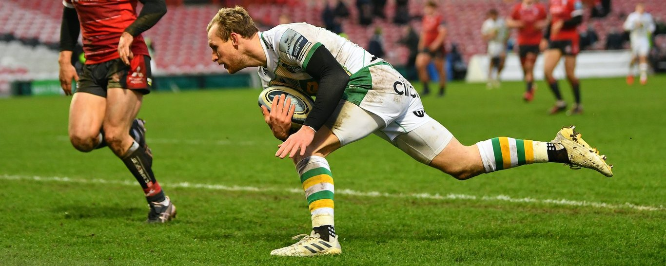 Northampton Saints' Rory Hutchinson scores a try
