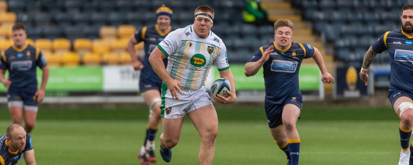 Paul Hill in action for Northampton Saints against Worcester