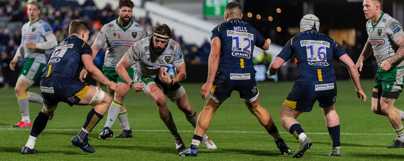 Tom Wood carries against Worcester