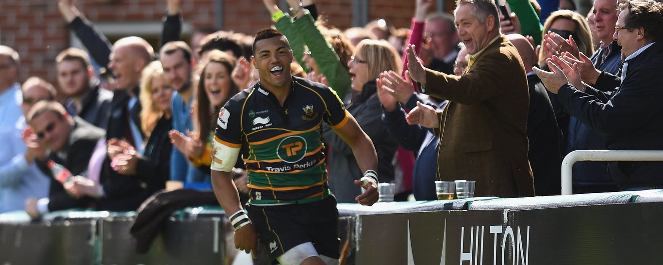 Luther Burrell celebrates scoring for Saints