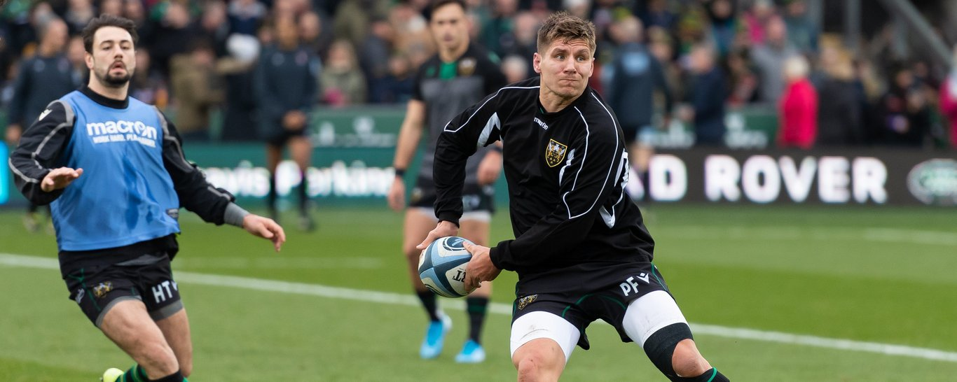 Piers Francis warms up at Franklin's Gardens