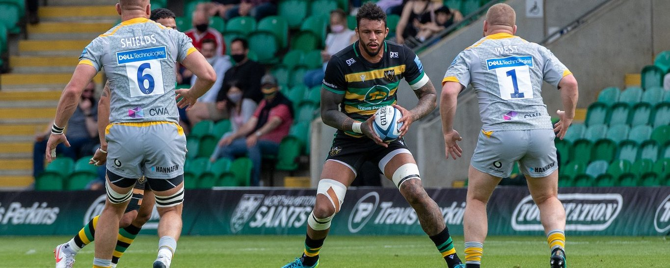Courtney Lawes in action for Northampton Saints against Wasps