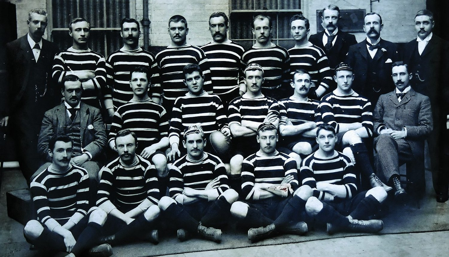 Leicester Tigers' 1895-96 squad; Field sits front row, far right