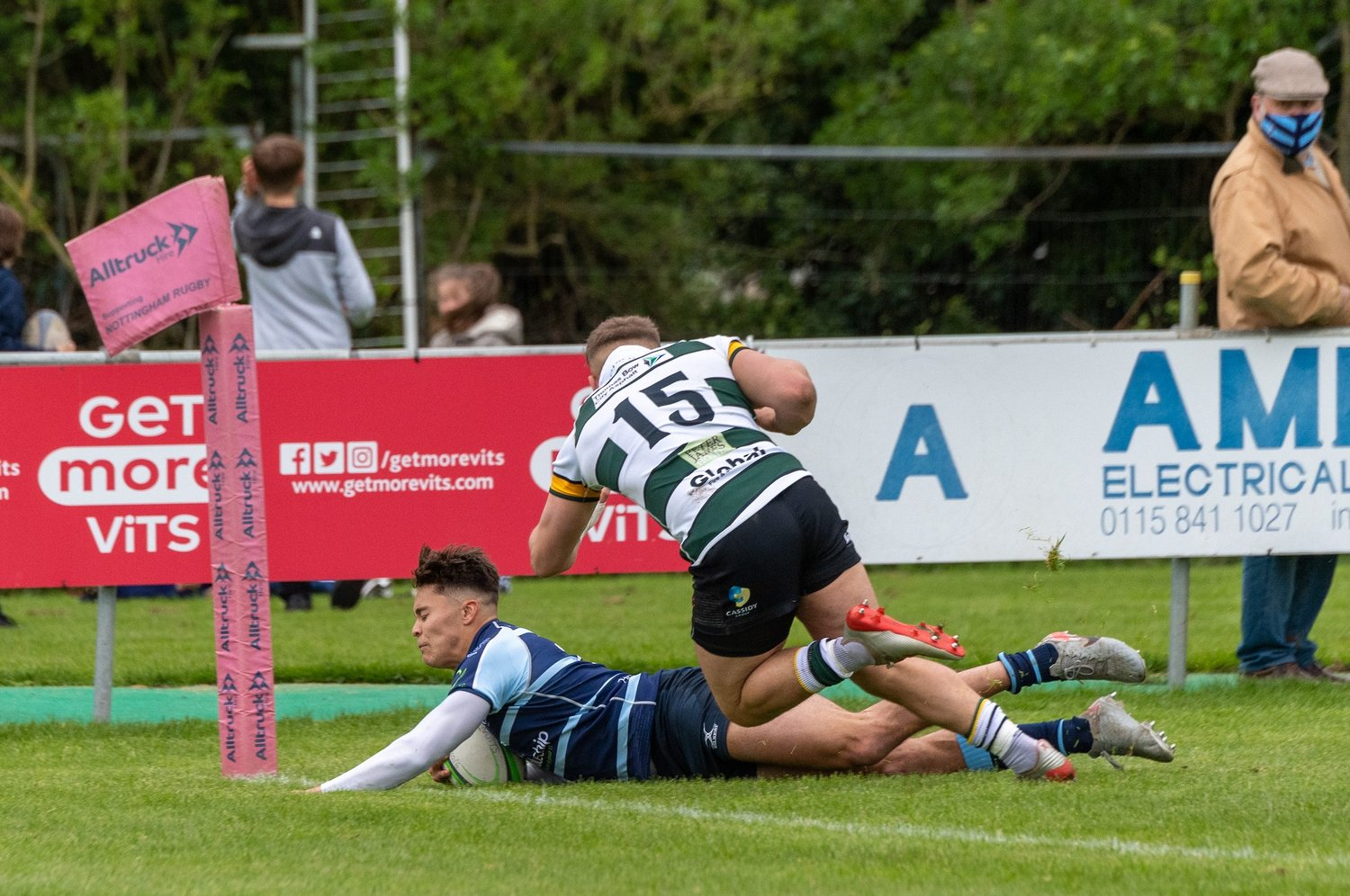 Saints' Josh Gillespie scores a try for Bedford