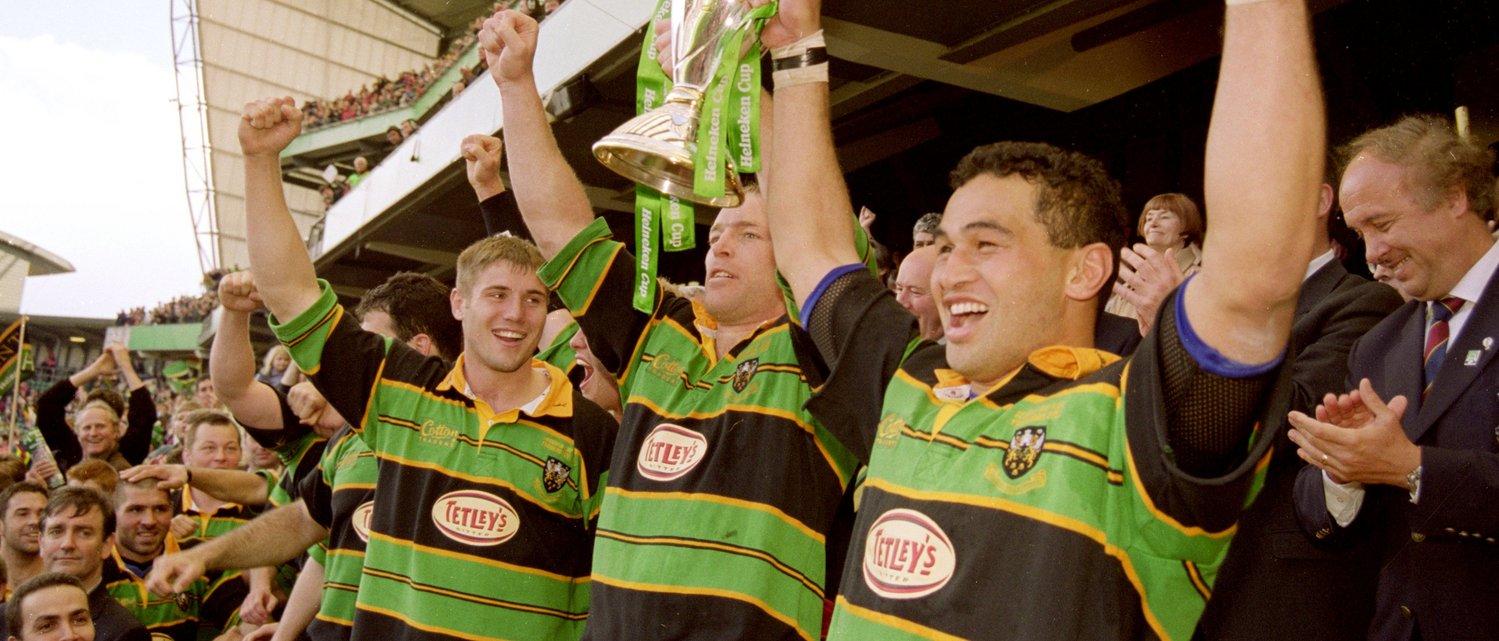 Pat Lam lifts the Heineken Cup in 2000